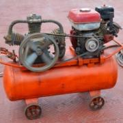 Compressed air generator